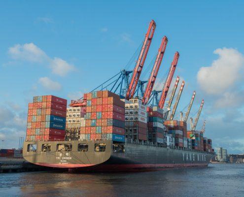 container ship 596083 960 720 495x400 - Blachodachówka - sprzedaż i eksport