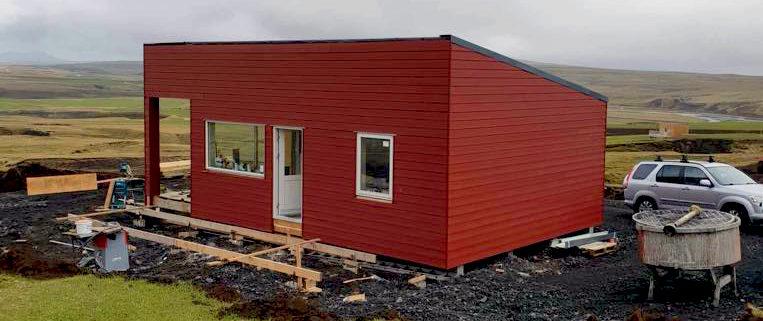 front 763x321 - Dom w Kirkjubaejarklaustur