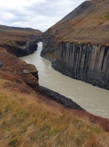 71662615 2616120768447372 1036126637860585472 n 223x300 - Kanion Stuðlagil na Islandii