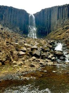 wodospad 223x300 - Kanion Stuðlagil na Islandii