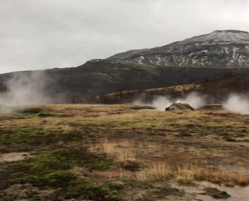 IMG 8675 495x400 - Krajobrazy, gejzery i spotkanie z Ambasadorem, czyli SkandPol w Islandii