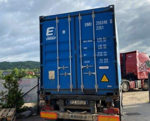9 2 495x400 - Dwa transporty do Islandii