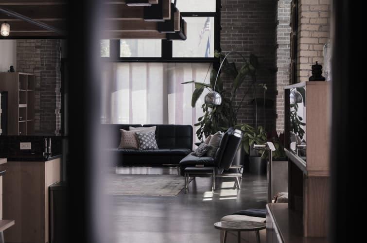 loft okna - Jaki kolor okna do nowoczesnego domu? Zainspiruj się!